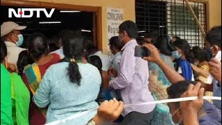 Covid-19 News: Massive Crowd At Telangana Vaccination Centre Causes Near Stampede - NDTV