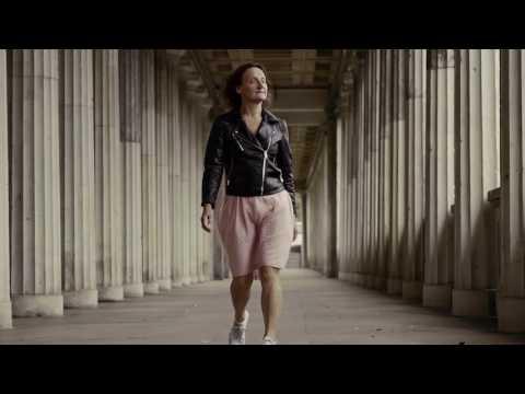 Marie Samuelsson - Om Kärlekstrilogin/About The Love Triolog