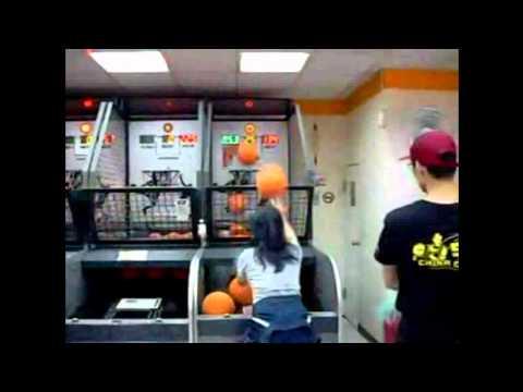 Video: Jeigu mūsų krepšininkai mėtytų taip kaip meto ji.. -