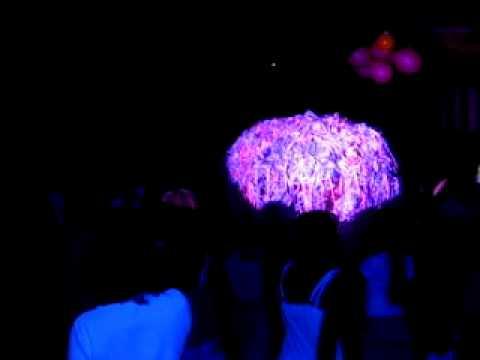 Danse du parapluie 03 by sono laser2000