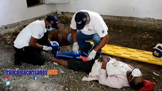 Hombre cae dentro de un pozo séptico en el centro de San Francisco de Macorís