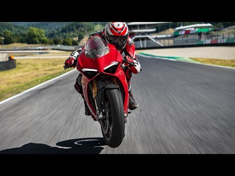 Ducati Panigale V4 (2018) Style and Performance