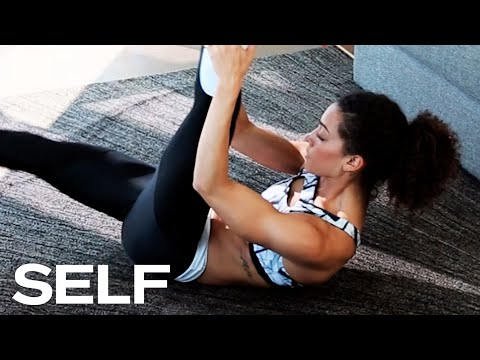A Beginner Abs Workout You Can Do In Your Living Room