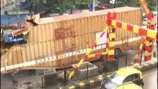 Container Truck Stuck Under Railway Bridge Triggers Traffic Jam In Mumbai - NDTV