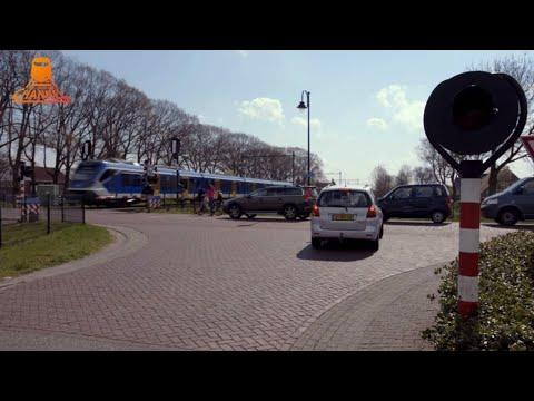 DUTCH RAILROAD CROSSING - Staphorst - Gemeenteweg