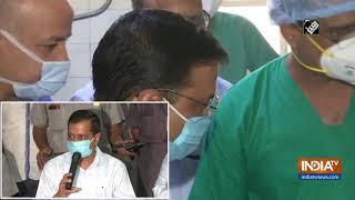 COVID-19: CM Kejriwal, Deputy CM Sisodia visit hospital in Delhi - INDIATV