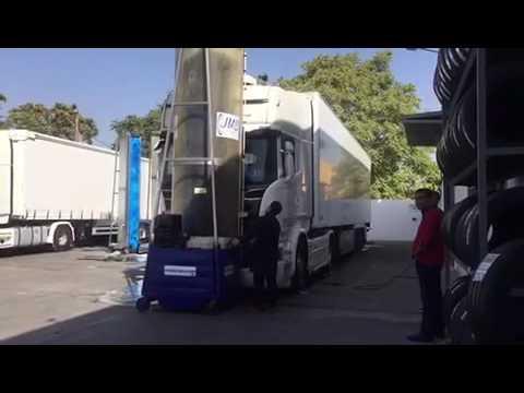 Monocepillos y maquinas para lavar autobuses y camiones JMB en Granada