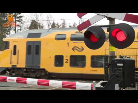 DUTCH RAILROAD CROSSING - Wezep - Stationsweg photo