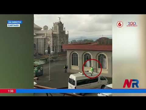 Hombre se aferró a muro para soportar torbellino en Cartago
