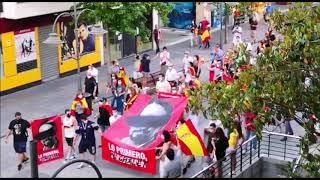 La cacerolada de Majadahonda se convierte en manifestación por la Gran Vía