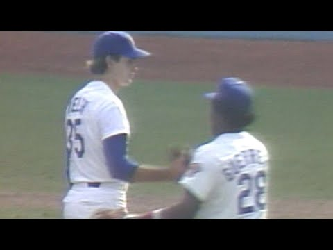 1981 NLDS Gm3: Welch induces a popout to end Game 3