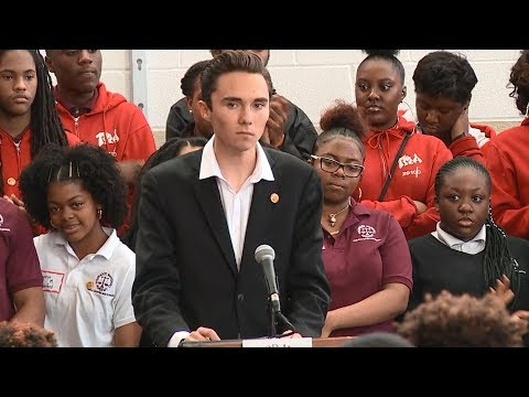 Marjory Stoneman Douglas students attend #NeverAgain rally | ABC News