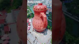 شاهد أكبر مبنى على شكل إبريق شاي
