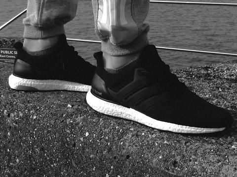 Adidas ultra rápido de pies tomclip Boost negro blanco