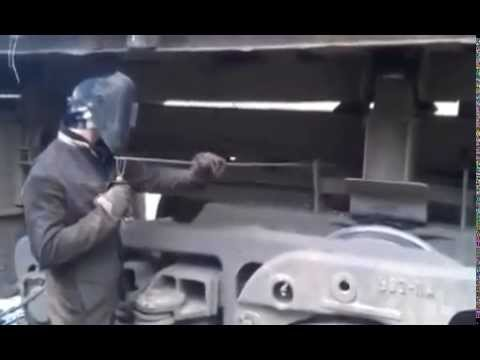 Video: Smart welder found a way out of the situation - When there is no handy extension cord