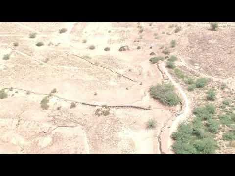 تصوير جوي يوثق استحداث مليشيات الحوثي خنادق ومتارس قتالية، في جبهة حيس