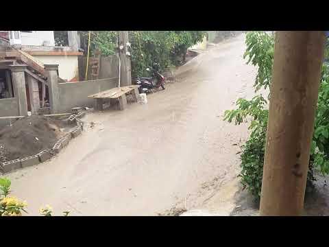 Fuertes lluvias inundan calles en Puerto Plata.