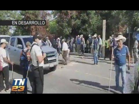 Retiran bloqueo en Río Hondo, Zacapa