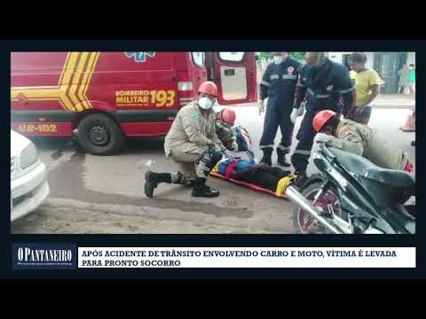 Após acidente de trânsito envolvendo carro e moto, vítima é levada para pronto socorro
