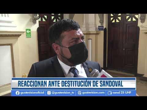Diputados oficialistas y opositores cruzan opiniones sobre destitución del exfiscal Sandoval