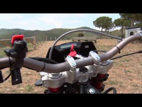 Motosx1000 : Test Rieju MRT 50R