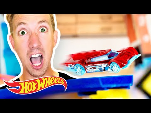 CRAZY CAR-nival Fun with Chad Wild Clay | Hot Wheels Unlimited | Hot Wheels