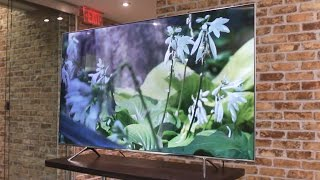 Slick-looking Samsung TV can control your gear automatically