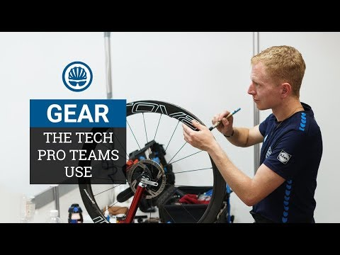 The Groupsets, Tyres and Pedals Pro Teams Actually Use