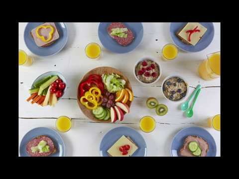 Fargelegg maten med grønnsaker, frukt og bær