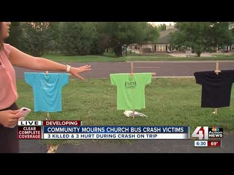 Communities mourn teens killed in van crash