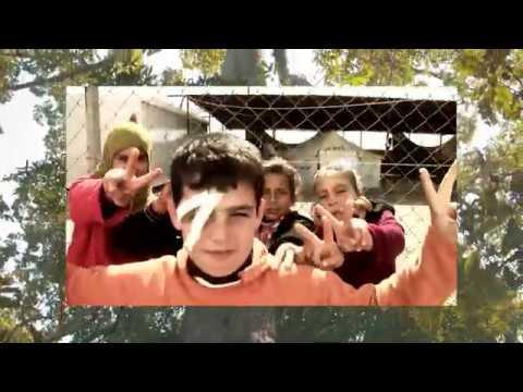 Skratt och hopp hos barn i utsatthet idag bidrar till fred imorgon! En film om Clowner utan Gränser