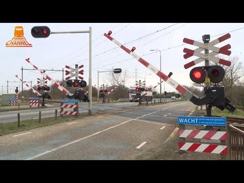 DUTCH RAILROAD CROSSING - Zwolle - Hessenweg photo