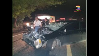 Un vehículo impactó en la parte trasera de un camión