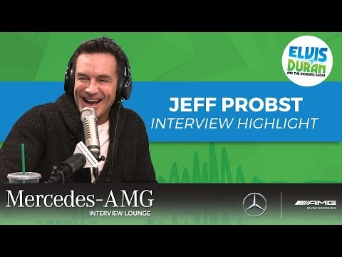 connectYoutube - Jeff Probst Giving Best Assistant Andrew Great News   Elvis Duran Interview Highlight