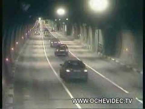 Video: Kai nepasiseka pasiekti šviesos - tunelio gale