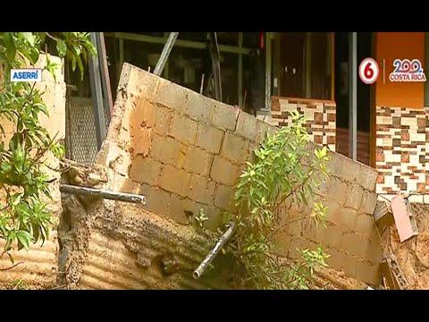 Familias en Aserrí afectadas por caída de muro