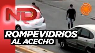 Rompevidrios en avenida Colón: así atacaron a dos autos que esperaban en el semáforo