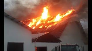 Iglesia católica de Camotán se incendia a causa de un rayo