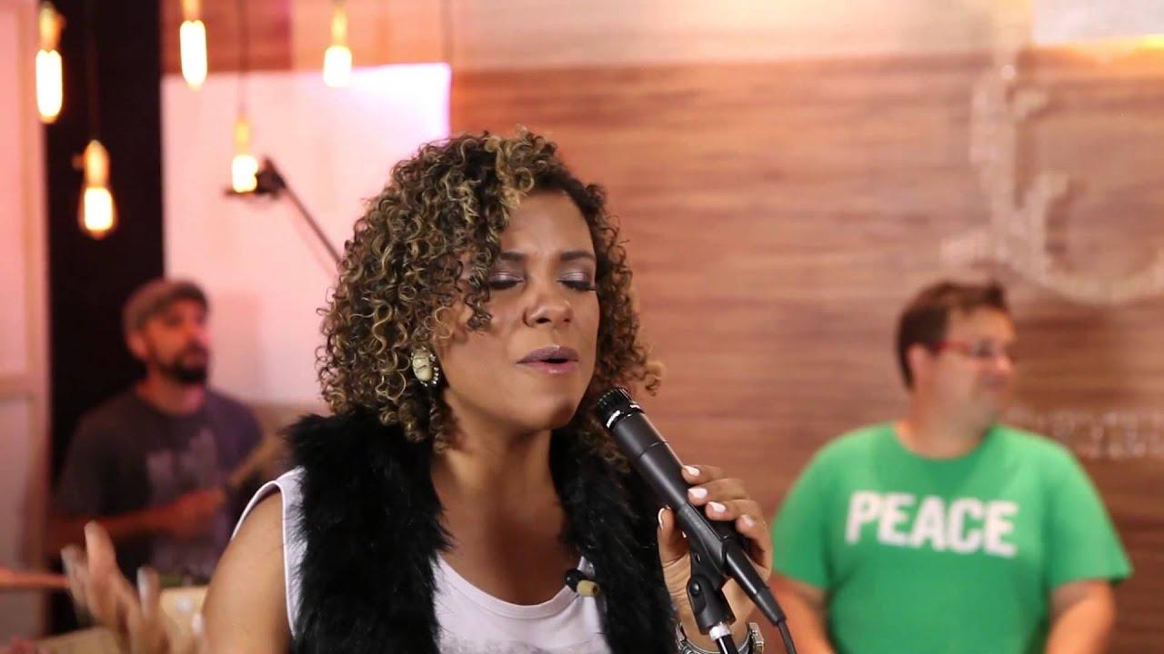 Não seremos abalados - Nívea Soares