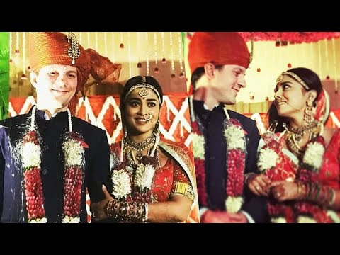 connectYoutube - CONFIRMED: Shriya Saran Ties Knot with her Russian Beau! | TK 986