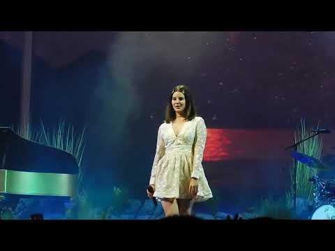 connectYoutube - Lana Del Rey- Love (LA to the Moon Tour Minneapolis)