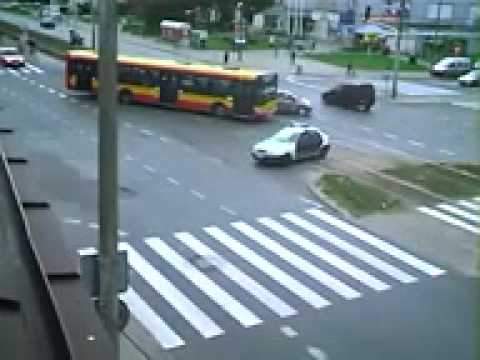 NEW scary car accident at intersection in Poland!!Honda CRV crash!!