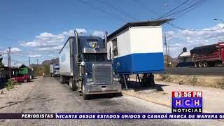 Únicamente transportistas de carga están dejando pasar en la frontera del Amatillo