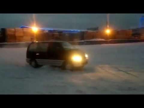 Nissan-Serena Drift