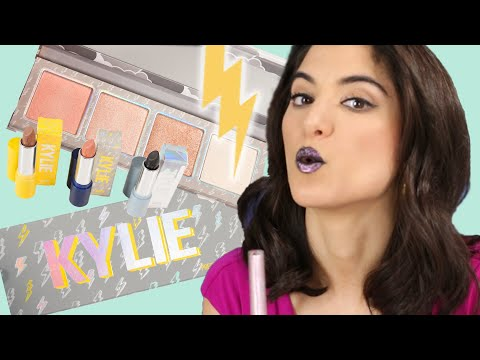 Meteorologists Try Kylie Jenner's Weather Collection