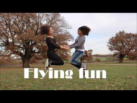 flying fun - in landscape - with Pepi & Yo -