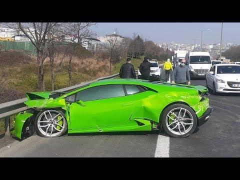 Trafikte 'makas' atan sürücü lüks aracını parçaladı
