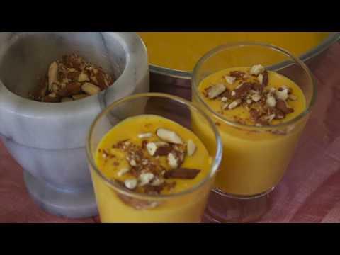 Mango med krem og ristede mandler