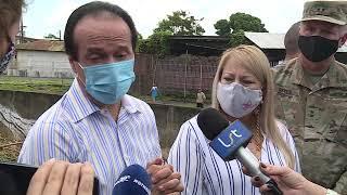 Gobernadora visita Mayagüez tras impacto de la tormenta Isaías