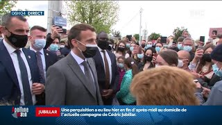 Emmanuel Macron reprend son